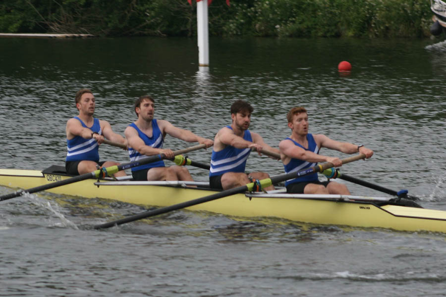 The crew in the qualifying race - click for enlarged view