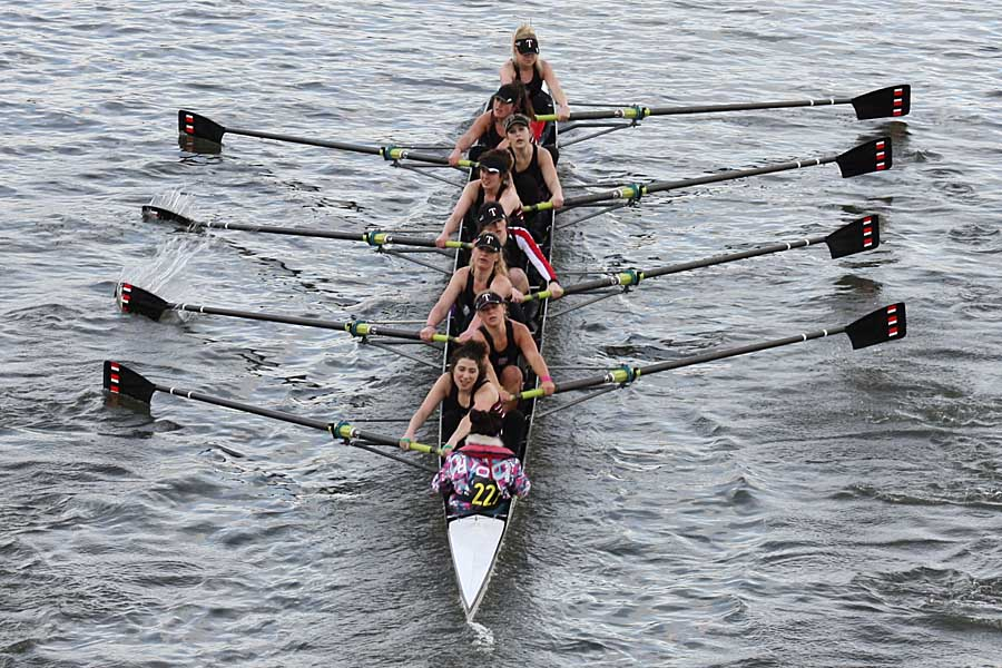 Thames Rowing Club - Women's Novice Pennant Winners